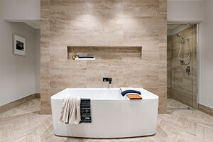 Glamour Bathtub by GO Homes